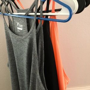 Old Navy Active Tanks